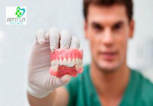 protesis dental en Torremolinos